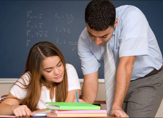 Thuê gia sư cấp 3 là sinh viên để tiết kiệm chi phí