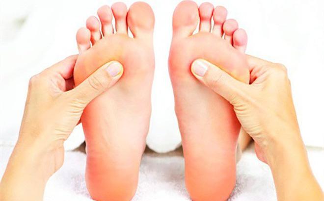 Nốt ruồi ở lòng chân phải tốt hay xấu?